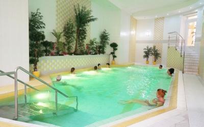 Het gele zwembad